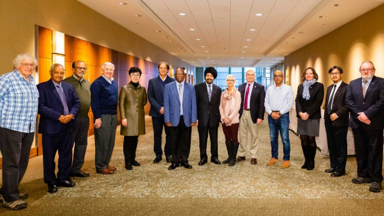 IFMS-GM6: group photo with some of the IFMS participants: left: Bob Riddaway (EMS), right Andrew Ecclestone (PRIMET) and un the middle, Harinder Aluwahlia (IFMS Preisent) together with Mary Glackin, AMS President and Keith Seitter (IFMS Treasurer and AMS Chief Executive)